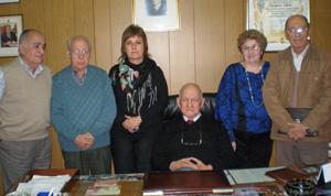 Pérez, sentado, junto a otros integrantes de la agrupación 'Galicia'.