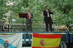 El secretario xeral da Emigración se dirigió a los asistentes.