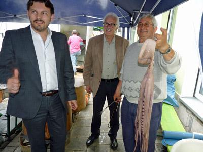 Rodríguez Miranda, izquierda, en la fiesta del pulpo organizada por el Centro Gallego de Nuremberg.
