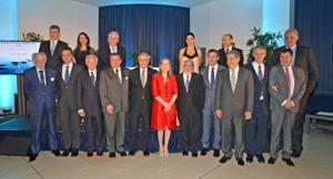 Los premiados y las autoridades que acudieron a la cena de gala de AEGA-CAT.