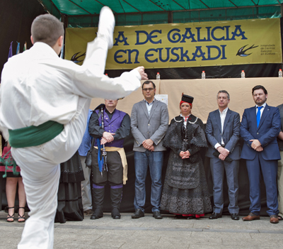 Pilar Rodríguez, Íñigo Urkullu y Rodríguez Miranda al inicio de los actos.