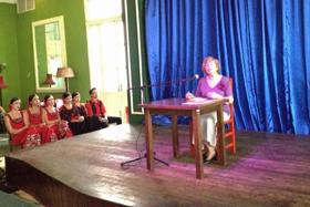 Un momento de la conferencia de la profesora universitaria Carmen Almodóvar.