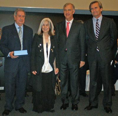 German Norberto López, Kodama, Ambrogi y Oyarzun durante la entrega de premios.
