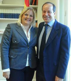 Hoffmann se entrevistó con el consejero económico y comercial de la Embajada de España en Argentina, Íñigo Febrel Melgarejo.