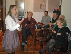 El público siguió con interés la disertación de De las Heras.