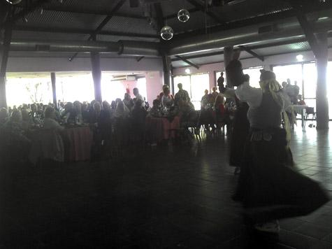 Los asistentes disfrutaron con el grupo de baile regional.