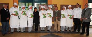 Entrega de los libros en el Liceo de Gastronomía y Turismo de Quilpué.