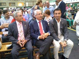 El consejero de la Presidencia, Manuel Jiménez Barrios (centro), en los XXIV Encuentros 'Andaluces en Euskadi'.