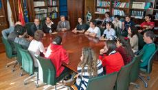 Xesús Vázquez con la delegación del Colegio Santiago Apóstol.