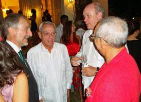 El embajador, Eusebio Leal y el Ministro Rodrigo Malmierca.