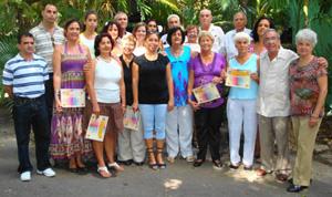 Directivos y premiados con la presidenta de la ASCyL en la conmemoración de la Hispanidad de la colonia castellana y leonesa en Cuba.