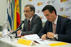 El embajador español Roberto Varela y el prosecretario de Presidencia de la República de Uruguay, Diego Cánepa.