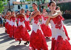 Actuación del grupo 'Olé, olé'.