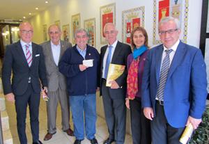 Camba, Pérez Pinar, Bodega, Miras Portugal, Álvarez Argüelles y Castellano, en la visita del director general de Migraciones.