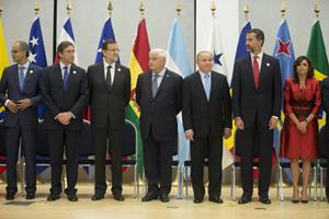 Mariano Rajoy y el Príncipe Felipe junto a otros jefes de Estado y de Gobierno durante uno de los actos de la Cumbre Iberoamericana.