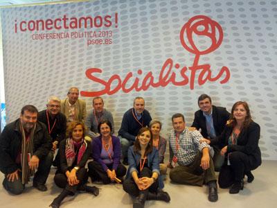 Los representantes de las agrupaciones del PSOE exterior con los responsables de emigración del partido y otros colaboradores.