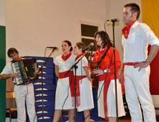 Actuación del grupo 'Voces de Navarra'.