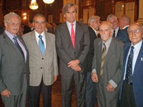 Numerosos directivos de las instituciones de la colectividad acompañaron al embajador en su despedida.