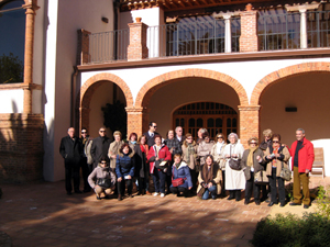 El grupo ante el Hospital de Mineros de Almadén.