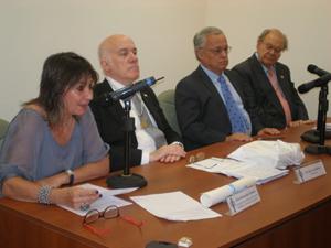 Hernando, Moure, Santonja y Barcia en el acto celebrado en la Academia Argentina.
