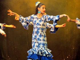 Una de las chicas del ballet mostrando su arte.