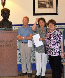Elena Parajó, primera por la derecha, en un acto de homenaje a Castelao.