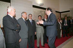 El presidente de la Junta, Juan Vicente Herrera, en una reunión con el hasta ahora Consejo de la Emigración de Castilla y León.