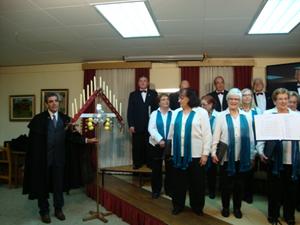 El tradicional ramo leonés y el coro.