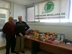Algunos de los alimentos donados.