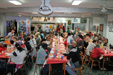 Un momento de la merienda-cena en el Centro Gallego de Tenerife.