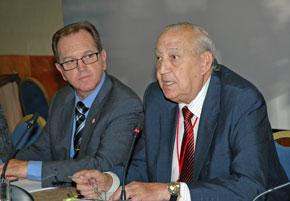 Eduardo Dizy, presidente del CGCEE, y Rafael Castillo en el pleno celebrado en Madrid el pasado mes de junio.