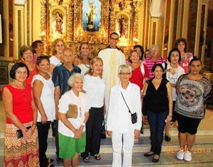 El grupo al finalizar la misa en honor de Santa Águeda en la Iglesia de Nuestra Señora del Carmen.