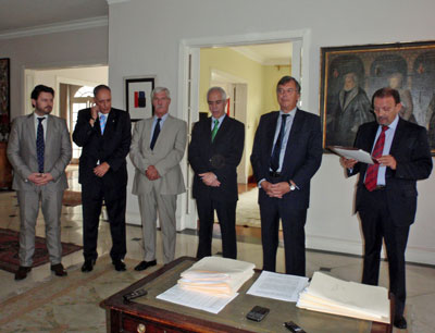 Antonio Rodríguez Miranda, Cándido Padrón, Paulino González Fernández-Corugedo, Aurelio Miras Portugal, Antonio Pérez-Hernández y Torra y Juan Santana durante el acto.