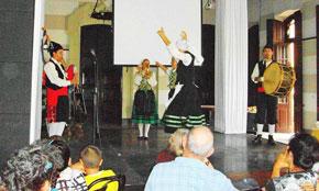 Banda de Gaitas y Cuerpo de Baile de la Federación de Asociaciones Asturianas de Cuba.