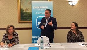 Alfredo Prada en la reunión del Comité Ejecutivo del PP en Guatemala.