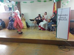 La actuación del cuadro flamenco de la Casa de Andalucía en México dio pie a la fiesta flamenca.