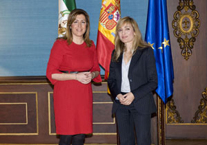 La presidenta Susana Díaz con la secretaria general de UGT Andalucía, Carmen Castilla.