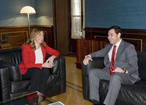 La presidenta de la Junta, Susana Díaz, se reunió con el nuevo líder del PP andaluz, Juan Manuel Moreno Bonilla.