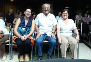 Presidencia del acto con Salud Fernández, Manuel Vallejo y Miriam Castro.