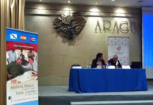 El secretario xeral da Emigración, Antonio Rodríguez Miranda, y el autor Miguel Ángel Alvelo, en la presentación.