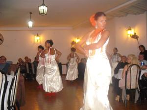 Las integrantes del ballet Casa de España mostraron toda su gracia y profesionalismo y deleitaron a los asistentes interpretando sevillanas, tangos y bulerías.