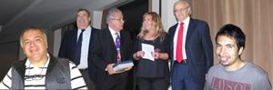 Ganadores del certamen: Mª Angélica, Luis Antonio y Rodrigo (ambos en los extremos).