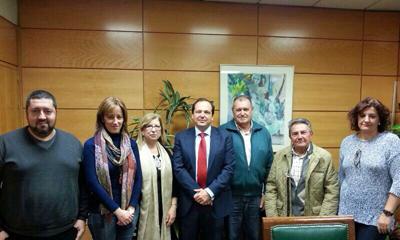 Reunión con el director de Gestión Tributaria de la AEAT, Rufino de la Rosa (ctro.). La presidenta de Feaer, Eva Mª Foncubierta es la segunda por la izquierda.
