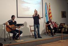 Un momento de la actuación de 'Cantareiros do mar'.
