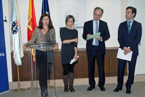 Ana Ramos, Villar López Vallés, y los eurodiputados Francisco Millán Mon y Pablo Zalba, en la inauguración de la muestra.