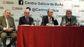 Martín Fernández interviene en un momento del acto de presentación del libro.