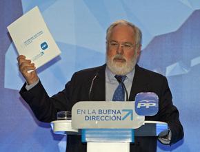 Miguel Arias Cañete presentó el programa del PP en Barcelona.