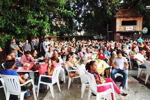 Vista parcial del público que acudió a la celebración del Día de Castilla y León en La Habana.