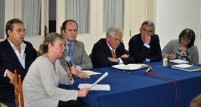 Momento en el que Esperanza Romariz realizó las denuncias ante la Asamblea del Hogar Español de Montevideo.