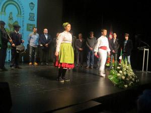 Aurresku de honor en el salón del auditorio Niessen de la localidad.